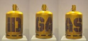 Id Gaz, de Maher Gnaoui Mixed media on gas bottles 60 x 32 cm each